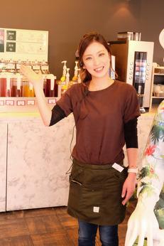 ランチタイムを有効活用アジアンリゾートをテーマにしたオシャレなカフェで一緒に楽しく働きませんか?