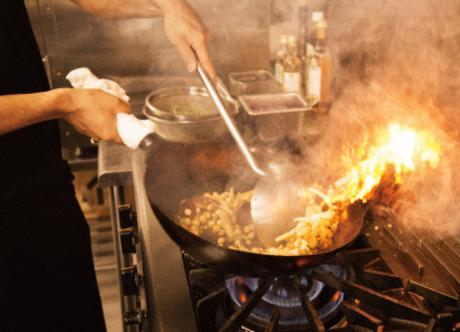 【未経験OK】オーダー後に調理スタート!最高のタイミングでこだわりの一皿を提供しています。